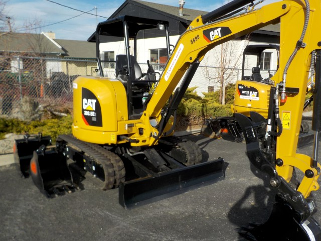 Where to rent MINI EXCAVATOR - 25hp 8,500 in Carson City NV, Lake Tahoe, Sparks NV, Reno, Virginia City NV, Cold Springs NV, Minden